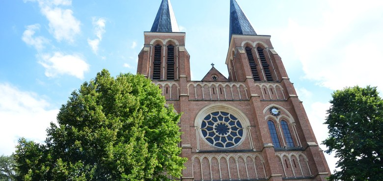 Sommerkirche - Sommergespräch mit Äbtissin Hildegard Brem